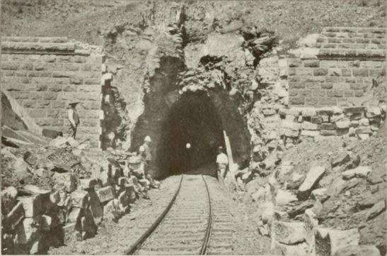 Laing's Nek Tunnel wrecked by Boers, 1900